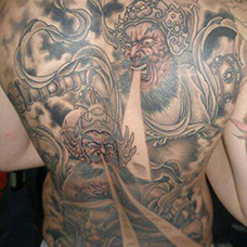男士满背哼哈二将纹身图片