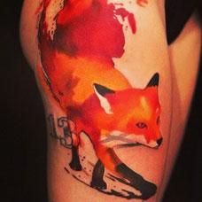 大腿好看的狐狸纹身图案