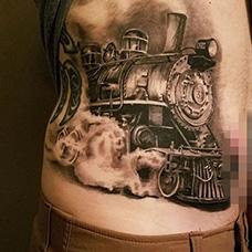 腹部火车头纹身图案
