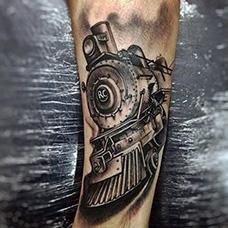 手腕个性的火车头纹身图案