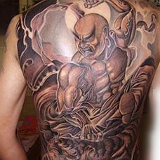 男士满背降龙伏虎纹身图案
