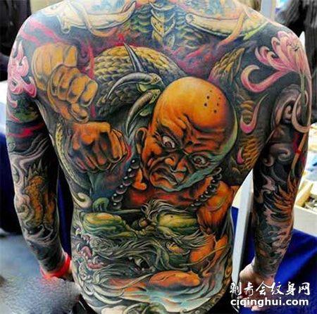满背彩色降龙伏虎纹身图案