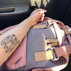 女生小臂家庭纹身图片