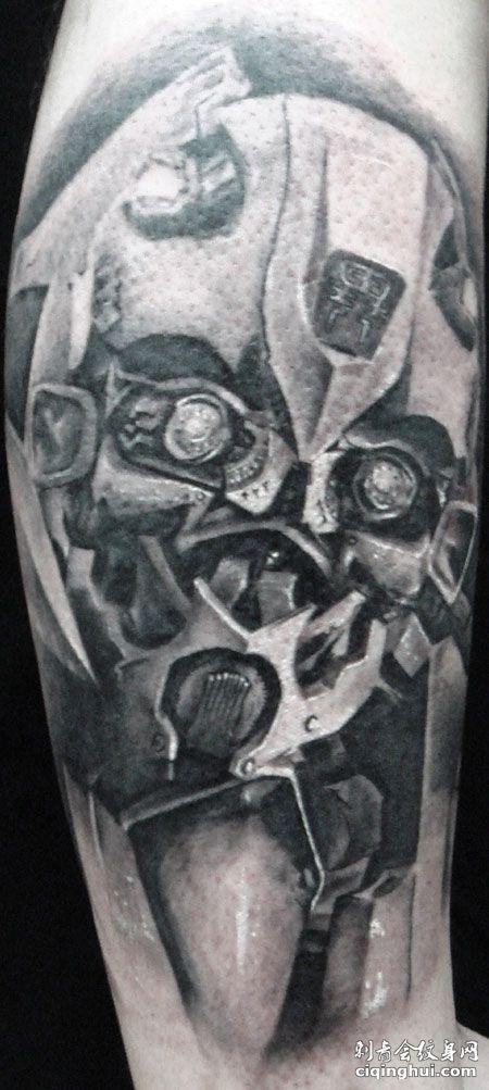 手臂变形金刚纹身图案
