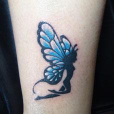小腿蓝色蝴蝶精灵纹身图案