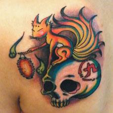 背部九尾狐狸骷髅纹身图片