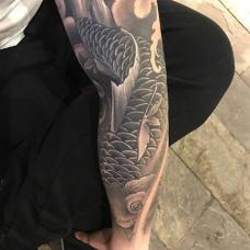 花臂鲫鱼纹身图案