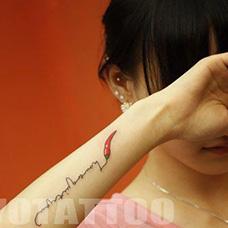 手腕红辣椒纹身图片