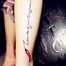 脚踝红辣椒纹身图案