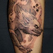 小腿饿狼纹身图案