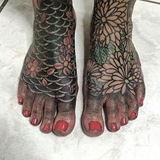 脚部个性鳞片纹身图案
