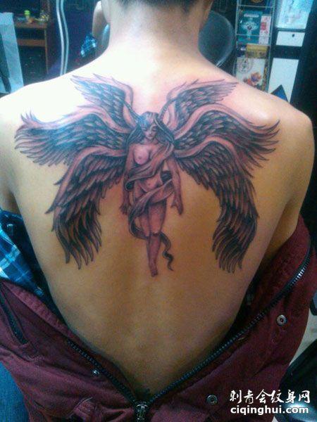 背部帅气六翼天使纹身图案