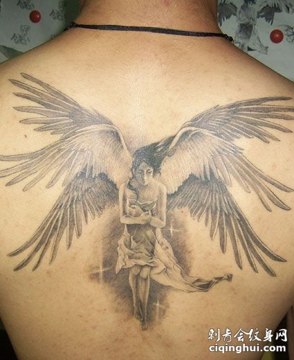 背部好看的六翼天使纹身图片