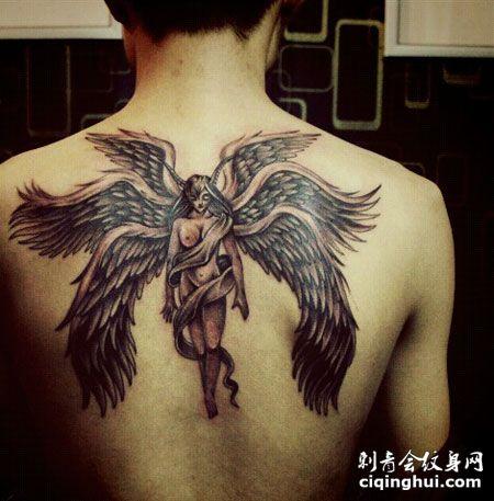 背部精美的六翼天使纹身图案