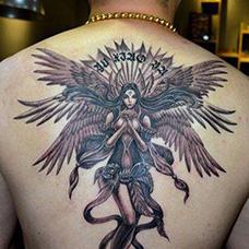 背部好看的六翼天使纹身图案