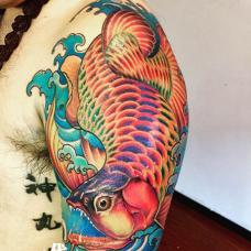 炫酷的花大臂彩色龙鱼纹身图案