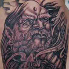 大臂伏虎罗汉纹身图案