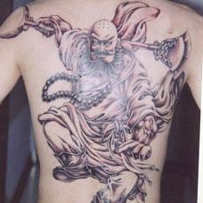 背部花和尚鲁智深纹身图案