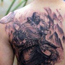 背部鲁智深纹身图片