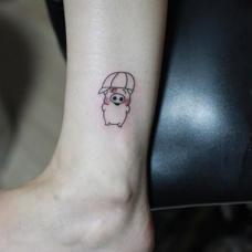 脚踝小清新麦兜简笔画图案纹身