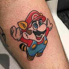 小腿可爱的马里奥纹身图案