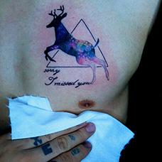 胸前星空马鹿纹身图案
