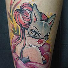 小腿猫女郎纹身图片