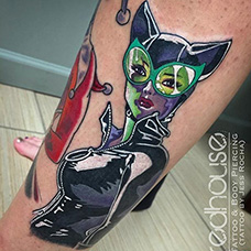 小腿个性猫女纹身图案