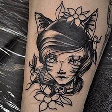 小腿素描猫女郎纹身图案