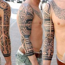 酷炫的玛雅图腾花臂纹身