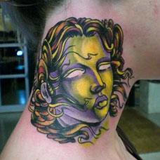 颈部个性美杜莎纹身图案