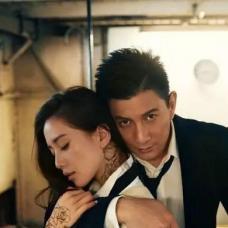 演员刘诗诗手臂及颈部玫瑰花纹身