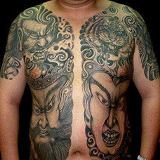 两边半甲门神纹身图案