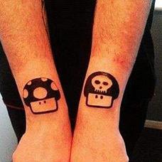 手臂个性卡通蘑菇纹身图片