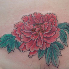 腹部怒放的牡丹纹身图案