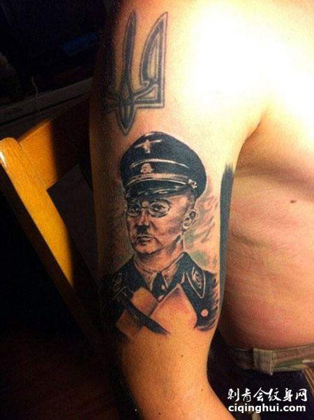 大臂德国纳粹纹身图案
