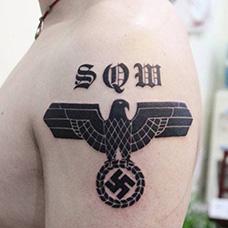 大臂个性纳粹标志纹身图案