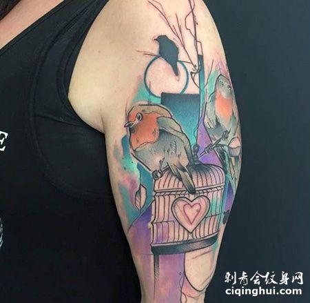 大臂鸟笼和小鸟纹身图案