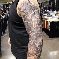 花臂帅气的牛魔王纹身图案