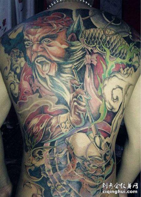 满背彩色判官纹身图片