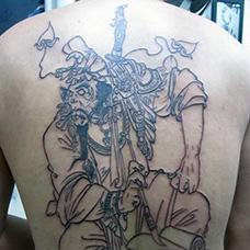 背部线条判官纹身图案
