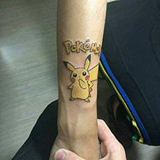 手腕皮卡丘纹身图案