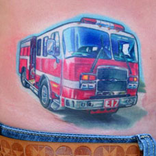 侧腰红色汽车纹身图案