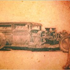 侧腰的机车纹身图案