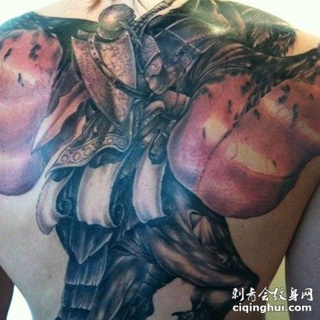 基里连科后背圣骑士欧美风纹身图案
