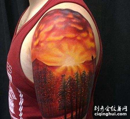 大臂山脉日出纹身图案