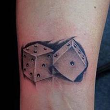 手腕色子纹身图案