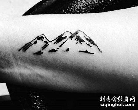 手腕创意山脉纹身图片
