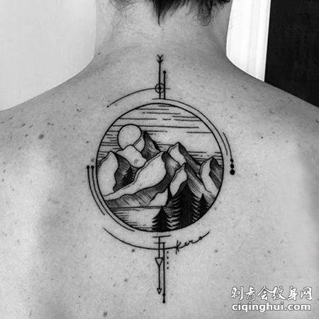 背部圆形山脉纹身图案
