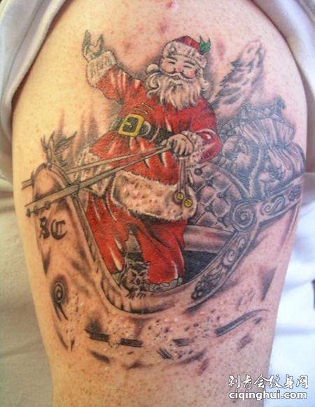 大腿圣诞老人纹身图案